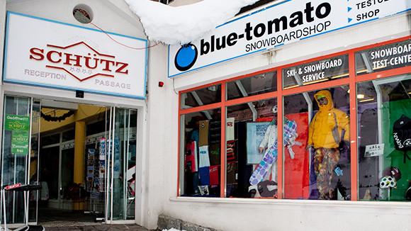 blue tomato shops in de und at blue. Black Bedroom Furniture Sets. Home Design Ideas